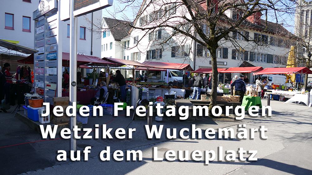 Wetziker Wochenmarkt auf dem Leueplatz